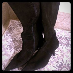 BP beautiful suede black boots